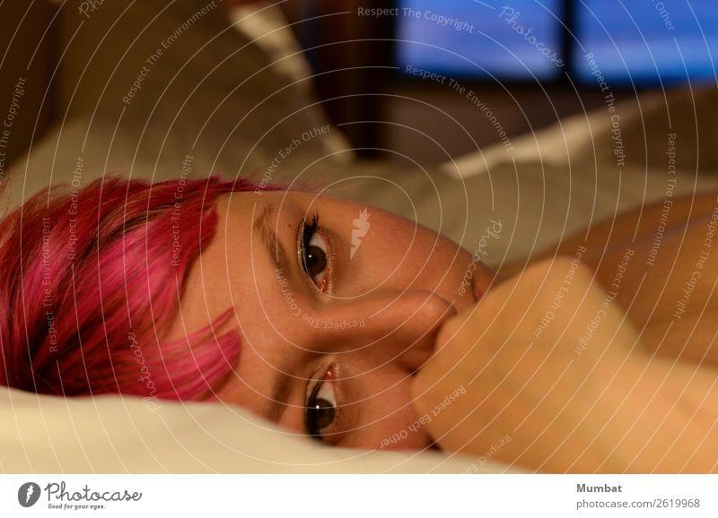 Lara Mensch feminin Junge Frau Jugendliche Kopf Hand 1 18-30 Jahre Erwachsene rothaarig liegen Erotik nackt niedlich schön Wärme wild rosa Stimmung Geborgenheit