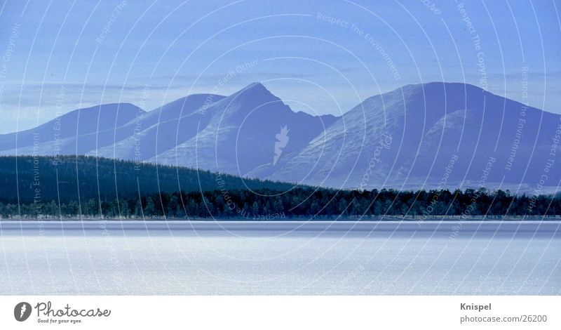 Bergkette in Norwegen Panorama (Aussicht) Winter ruhig See Berge u. Gebirge Schnee Eis groß Panorama (Bildformat)