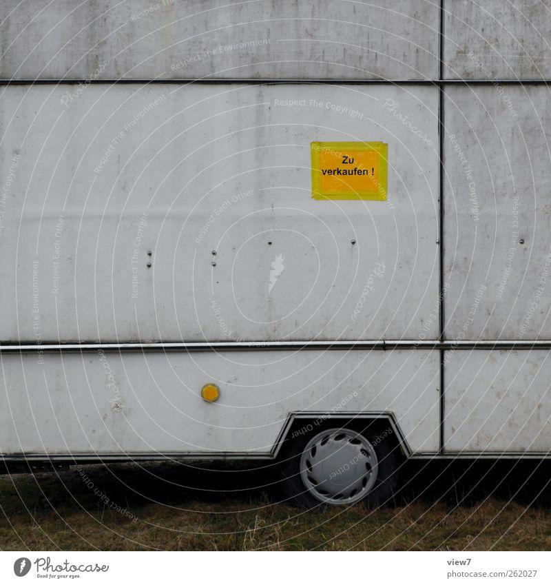guter Gebrauchter Arbeitsplatz Handel Mauer Wand Verkehr Verkehrsmittel Straße Fahrzeug Wohnwagen Bauwagen Metall Zeichen Schilder & Markierungen Hinweisschild
