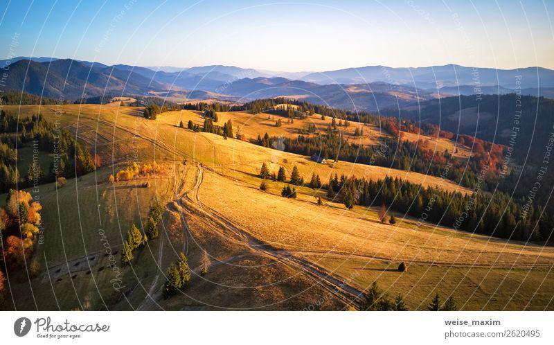 Luftpanoramaansicht der Herbstgebirgskette schön Ferien & Urlaub & Reisen Tourismus Berge u. Gebirge Haus Natur Landschaft Himmel Sonnenaufgang Sonnenuntergang