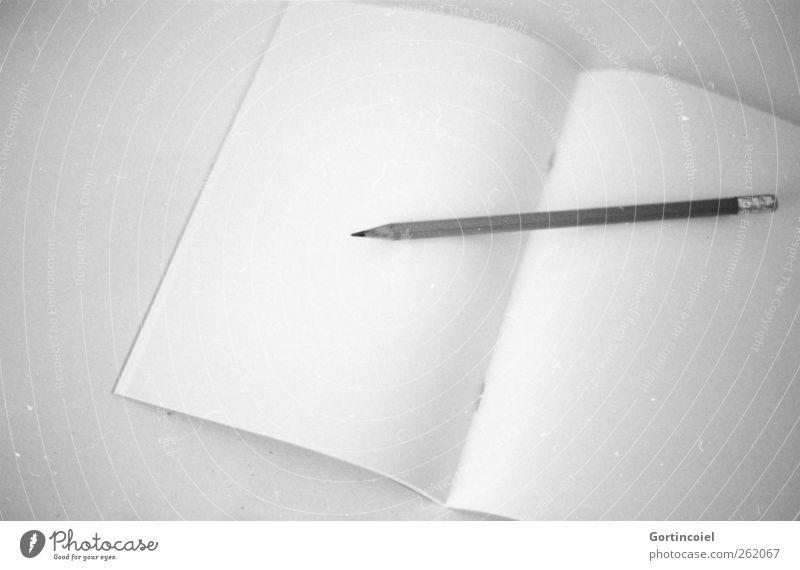 Anfang weiß hell Schule leer Beginn Studium Bildung schreiben Arbeitsplatz Prüfung & Examen Bleistift Neuanfang Heft Schreibheft