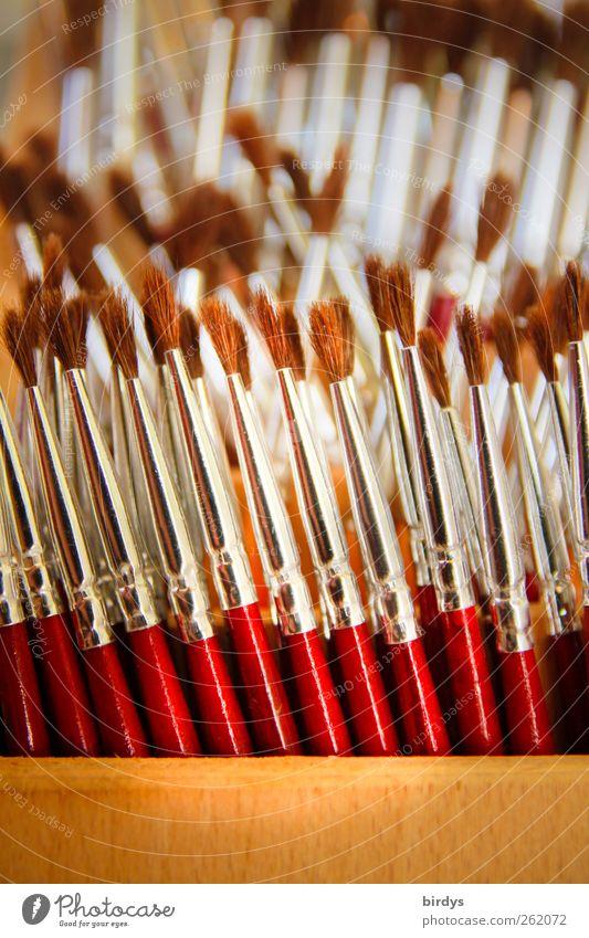 Malwerkzeuge rot Kunst braun glänzend Ordnung ästhetisch authentisch stehen viele malen dünn silber Pinsel Maler aufbewahren Ordnungsliebe