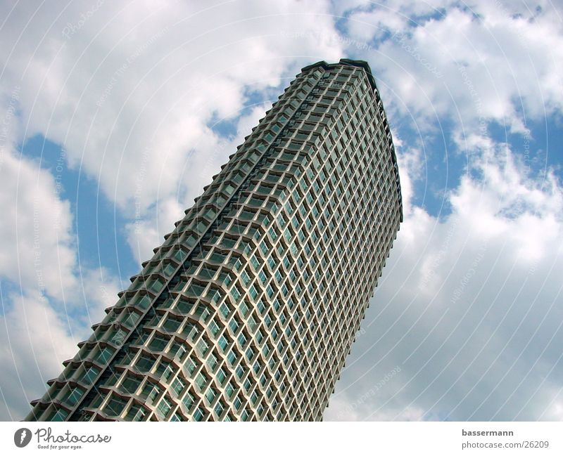 Centre Point Tower, London Hochhaus Himmel Tottenham Court Road Soho Wolken Sechziger Jahre Architektur clouds sky