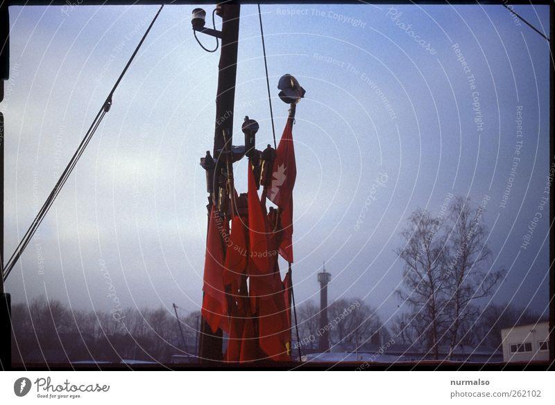 rotfähnchen Angeln Arbeit & Erwerbstätigkeit Beruf Fischer Wirtschaft Fischereiwirtschaft Kunst Skulptur Umwelt Natur Wasser Herbst Küste Nordsee Ostsee