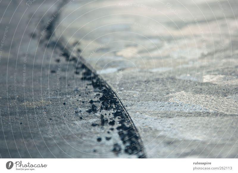Spuren im Eis #3 Winter Wintersport Frost Küste Ostsee elegant blau grau Erfolg Willensstärke Genauigkeit Zufriedenheit kalt Klima Konzentration Präzision Sport