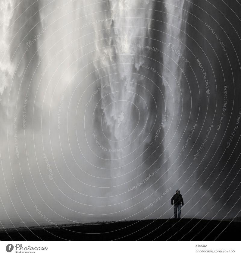 III!I Mensch Natur Urelemente Wasser Wassertropfen Wind Nebel Regen Wasserfall skogafoss skogar bedrohlich exotisch gigantisch kalt nass grau Island