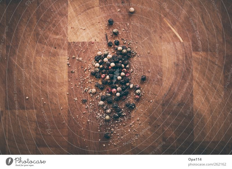 Pfeffer weiß rot schwarz braun liegen Ernährung Lebensmittel rund Kräuter & Gewürze Duft Geruch Strukturen & Formen