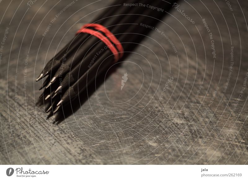 3B rot schwarz dunkel grau Metall ästhetisch Schreibstift silber Schreibwaren