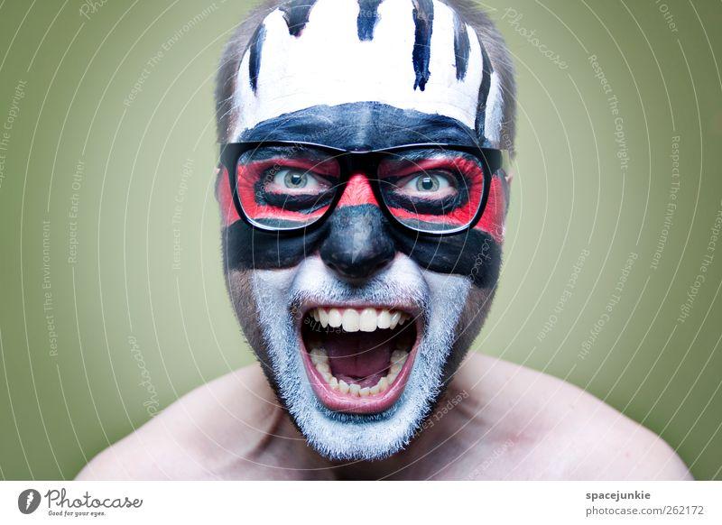 Hell Mensch Mann Jugendliche weiß rot schwarz Erwachsene Farbstoff Kunst maskulin außergewöhnlich verrückt bedrohlich Brille Maske gruselig