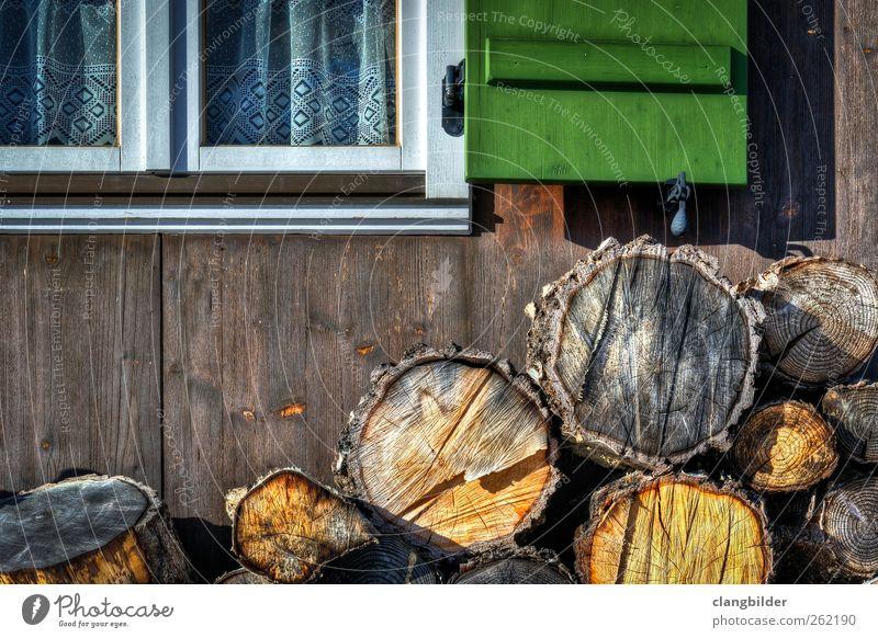 Grandma´s Home Natur grün Ferien & Urlaub & Reisen Haus gelb Erholung Umwelt Fenster Landschaft Wand Berge u. Gebirge Holz grau Garten Mauer Zufriedenheit