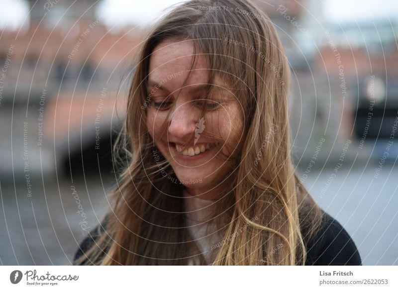 sweetheart - junge hübsche Frau, Haare im Gesicht schön Gesundheit Ferien & Urlaub & Reisen feminin Erwachsene 1 Mensch 18-30 Jahre Jugendliche Wind blond