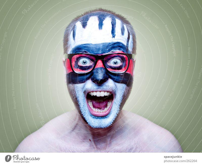 Hell (2) Mensch Mann Jugendliche weiß rot schwarz Erwachsene Farbstoff Kunst maskulin verrückt Brille Maske gruselig Gewalt schreien