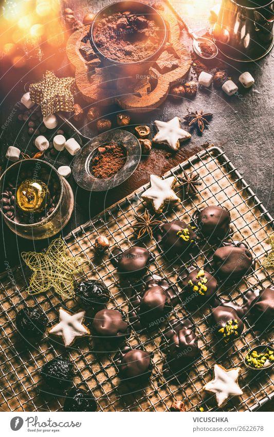 Selbst gemachte Schokolade Praline für Weihnachten Süßwaren Ernährung Festessen Geschirr kaufen Stil Design Winter Häusliches Leben Dekoration & Verzierung
