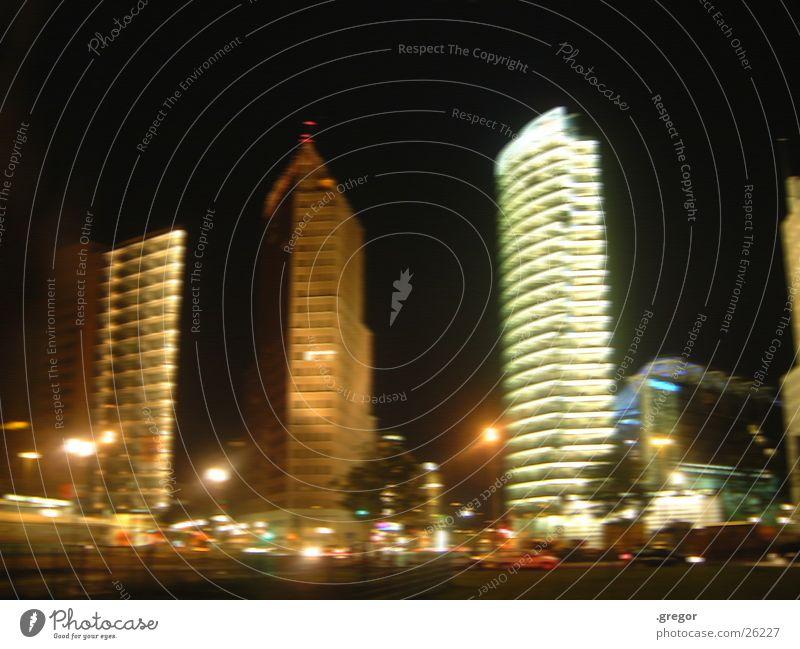 potsdamer platz bei nacht Berlin Bewegung Architektur blenden Potsdamer Platz
