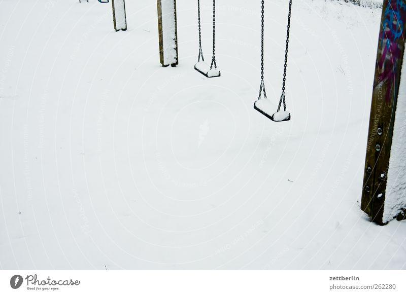 Schaukel Lifestyle Freizeit & Hobby Spielen Winter Winterurlaub Umwelt Natur Klima Klimawandel Wetter Spielplatz hell kalt eis fros kristall leer Neuschnee