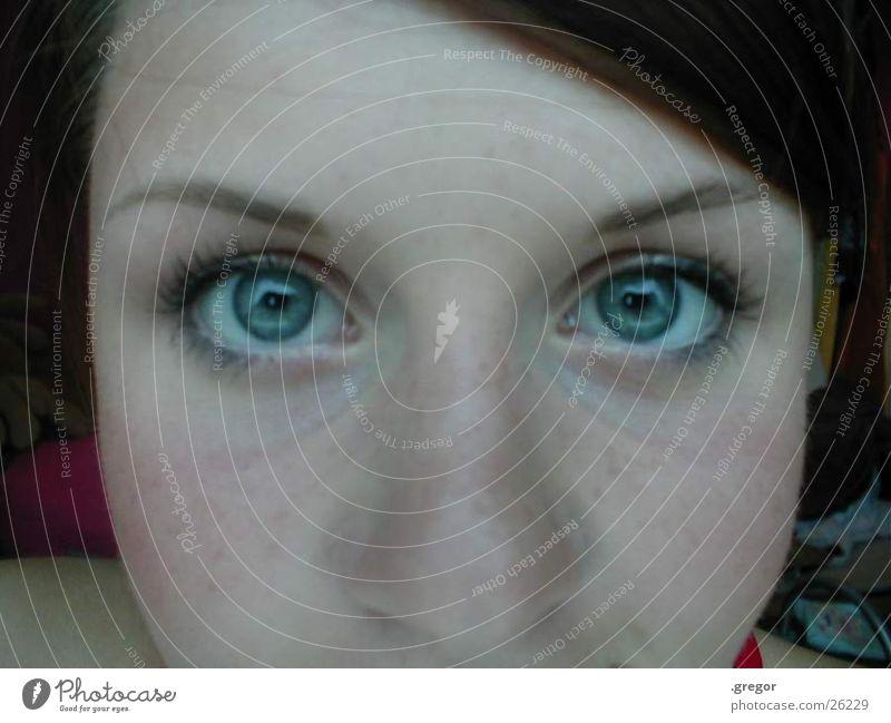 corinna :) Frau blau Gesicht Auge Nase Sommersprossen Scheitel