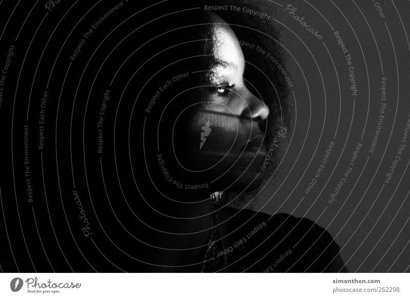 schatten Mensch ruhig Gesicht feminin nachdenklich Glaube Locken Schattenspiel Afro-Look ruhend Schattenkind