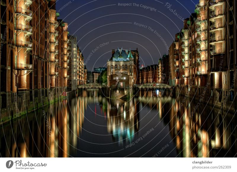 Speicherstadt Hamburg Ferien & Urlaub & Reisen Ausflug Sightseeing Städtereise Architektur Stadt Stadtzentrum Sehenswürdigkeit Farbfoto Außenaufnahme Nacht