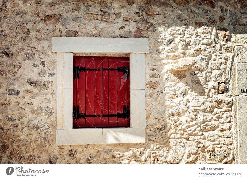 Fenster Ferien & Urlaub & Reisen Sommer Kreta Griechenland Dorf Kleinstadt Haus Architektur Mauer Wand Fassade Fensterladen Stein Holz alt authentisch gelb rot
