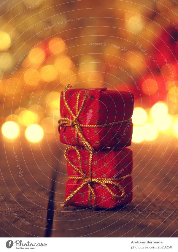 Weihnachtsgeschenke Weihnachten & Advent Winter Stil leuchten Geschenk Tradition Vorfreude Stapel Schleife Lichterkette Weihnachtsbeleuchtung