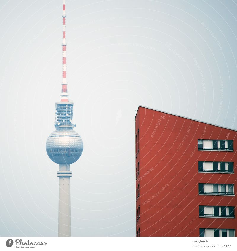 Haus am Alex Berlin Bundesadler Europa Hauptstadt Stadtzentrum Fernsehturm Sehenswürdigkeit Wahrzeichen Berliner Fernsehturm Alexanderplatz grau rot Farbfoto