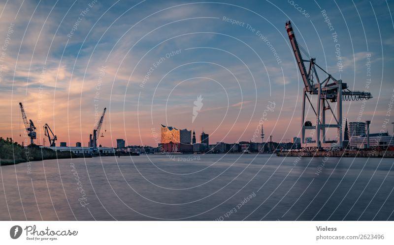 Das weite Hamburg, Elbphilharmonie,Michel, Telemichel Sonnenuntergang maritim Reflexion & Spiegelung glänzend Langzeitbelichtung außergewöhnlich Licht
