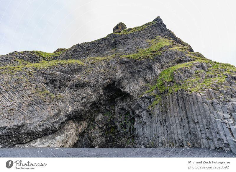 seltsame Steinstrukturen am schwarzen Strand reynisfjara schön Ferien & Urlaub & Reisen Ausflug Abenteuer Sightseeing Natur Landschaft Sand Felsen Küste