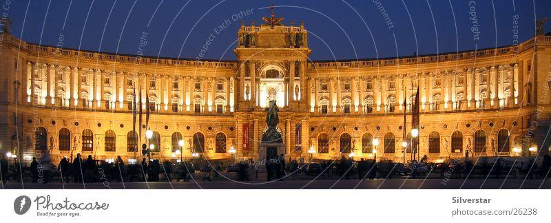 WienHofburg Architektur Nachtaufnahme Österreich
