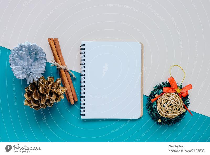 Kreatives flaches Lay of Craft und leeres Notizbuch Stil Design Glück Winter Dekoration & Verzierung Feste & Feiern Weihnachten & Advent Handwerk Accessoire