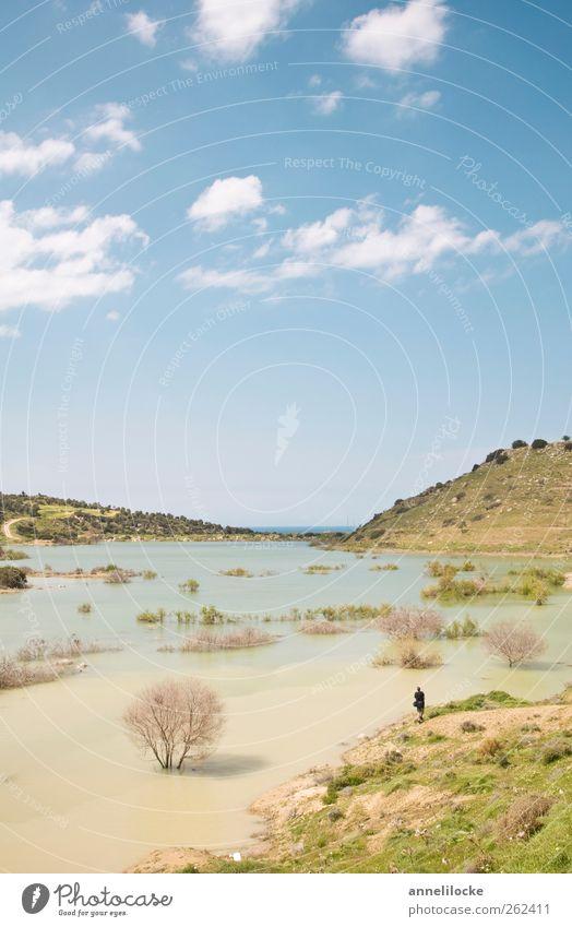 ein Bach läuft über Mensch Himmel Natur Wasser Ferien & Urlaub & Reisen Sommer Wolken Umwelt Landschaft Freizeit & Hobby wandern maskulin Klima Ausflug