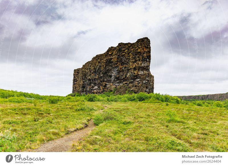 Die Asbyrgi-Schlucht im Nationalpark Vatnajokull schön Ferien & Urlaub & Reisen Insel Berge u. Gebirge Natur Landschaft Gras Park Hügel Felsen See Stein grün