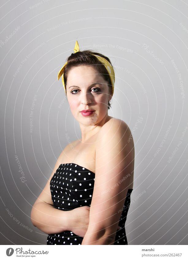 ein bißchen nostalgisch Mensch Frau Jugendliche Gesicht Erwachsene gelb feminin Gefühle Kopf Stil Mode Körper elegant Lifestyle Bekleidung 18-30 Jahre