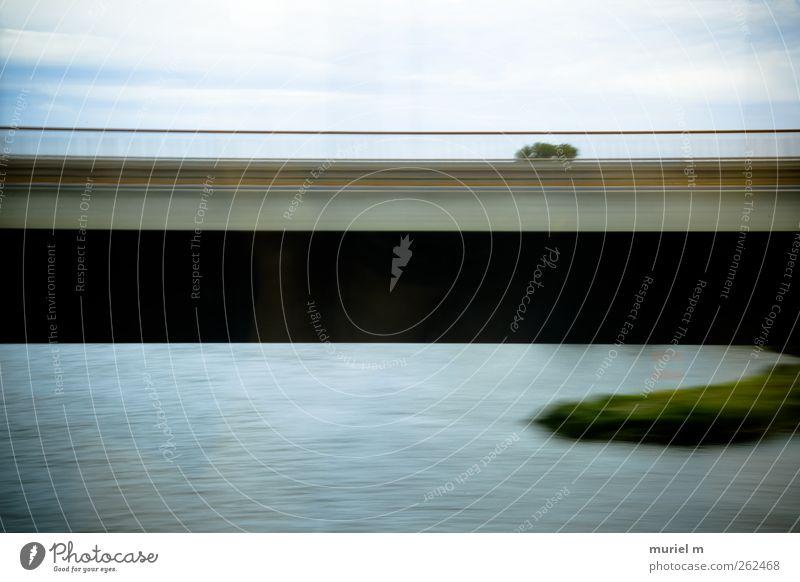 rush-hour I Umwelt Natur Landschaft Wasser Himmel Wolken Horizont Sommer Klimawandel Pflanze Baum Gras Feld Küste Flussufer Menschenleer Brücke Bauwerk Verkehr