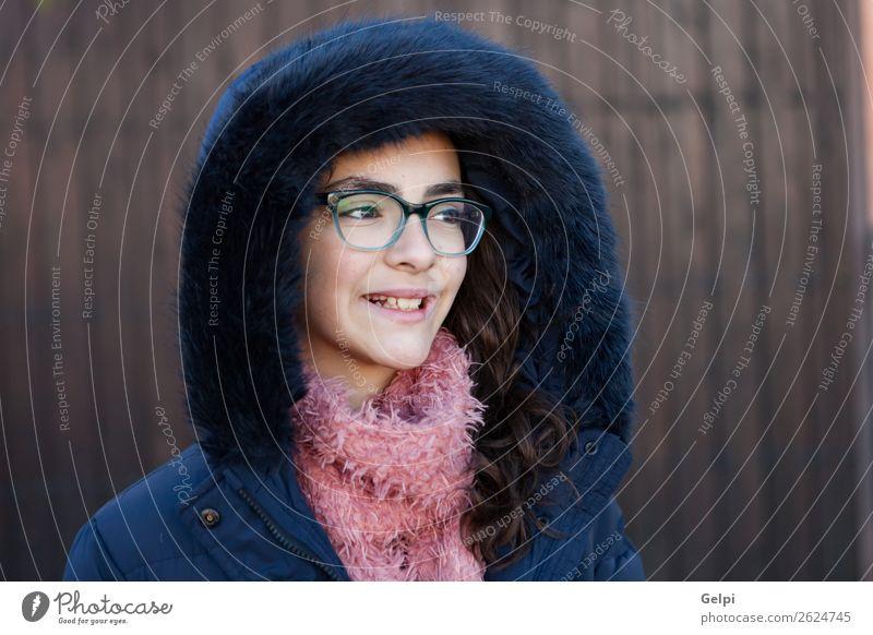 Frau Kind Mensch Jugendliche Farbe schön weiß Winter Lifestyle Erwachsene klein Garten rosa Kindheit Lächeln stehen