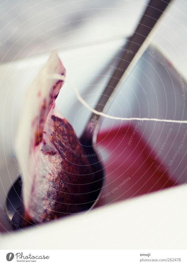 T! Frühstück Bioprodukte Getränk Heißgetränk Tee Löffel rot fruchtig Früchtetee Teebeutel Farbfoto Außenaufnahme Innenaufnahme Studioaufnahme Nahaufnahme