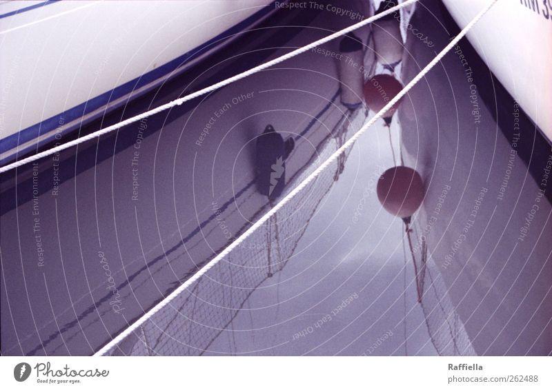 Rückkehr blau Meer Wolken ruhig Wetter nass Seil stehen trist Hafen Schifffahrt Momentaufnahme schlechtes Wetter Spiegelbild Anker Fischerboot