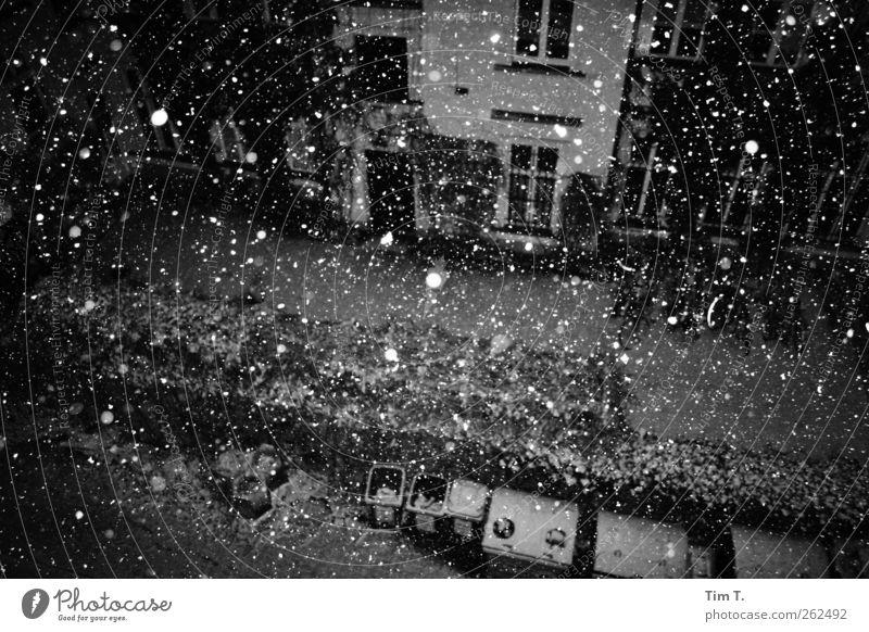 Winter in Berlin Winter Einsamkeit Haus Schnee Berlin Schneefall Wetter Stadtzentrum Hauptstadt Altstadt