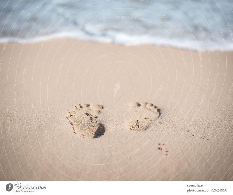Fußabdrücke am Sandstrand Freude schön Gesundheit Alternativmedizin Wellness harmonisch ruhig Meditation Spa Schwimmen & Baden Ferien & Urlaub & Reisen Freiheit