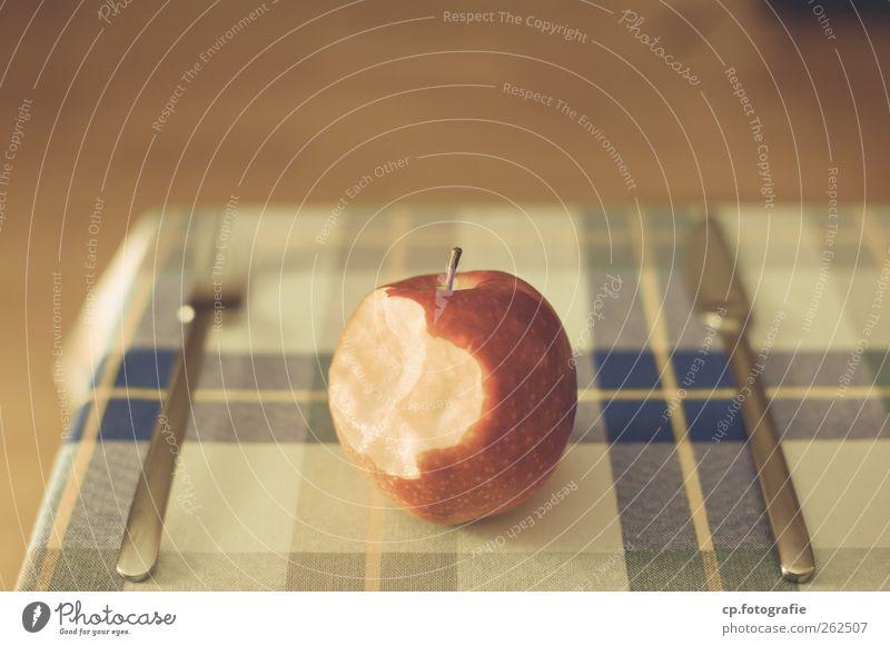 Apple_Day Three Ernährung Tisch Apfel lecker Bioprodukte Besteck Tischwäsche