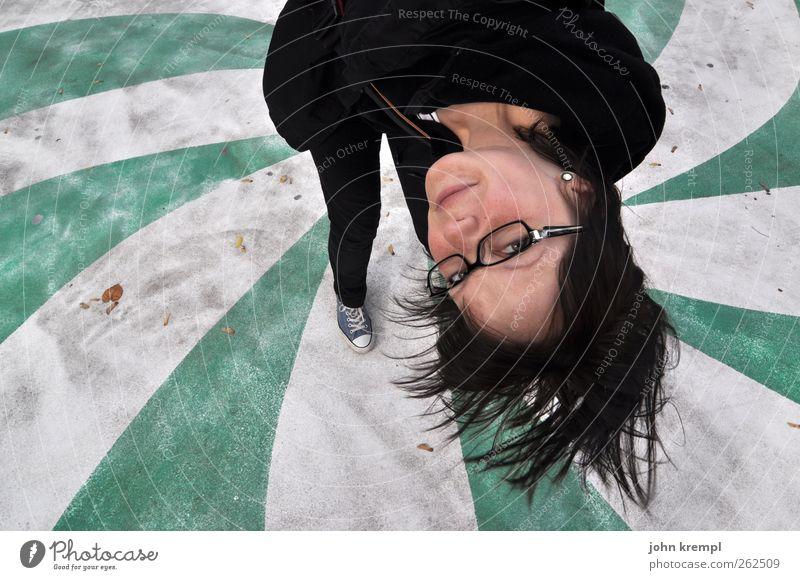 intergalaktisch Mensch Jugendliche weiß grün Gesicht Erwachsene feminin Haare & Frisuren lustig außergewöhnlich verrückt Fröhlichkeit stehen Coolness Brille 18-30 Jahre