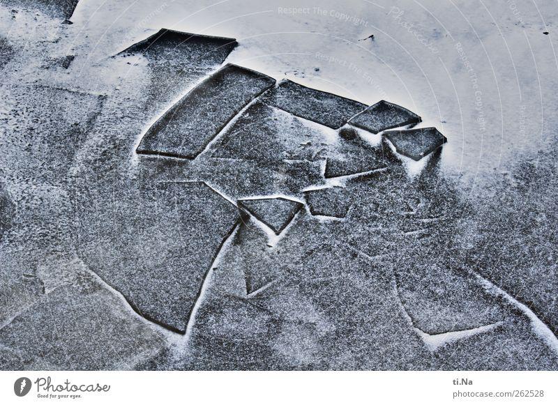 Crushed Ice blau Wasser weiß Winter schwarz dunkel kalt Schnee Küste Eis Kraft Klima Frost Nordsee frieren