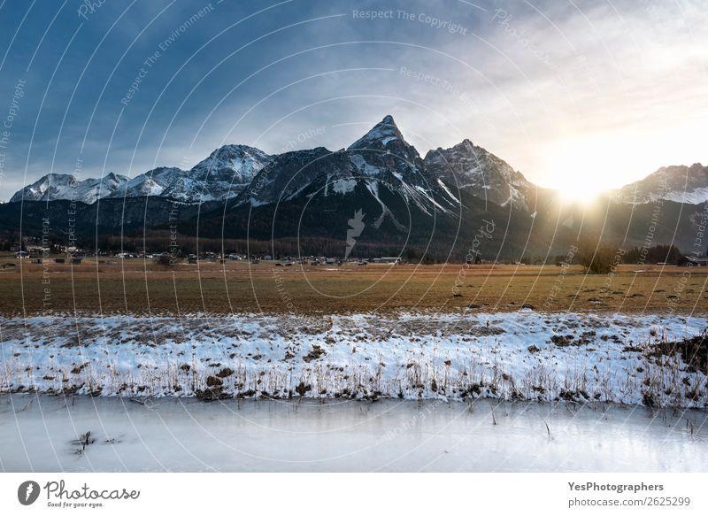 Ferien & Urlaub & Reisen Natur Landschaft weiß Winter Berge u. Gebirge Schnee Wiese Wetter Europa Gipfel Fluss Alpen Dorf gefroren Örtlichkeit