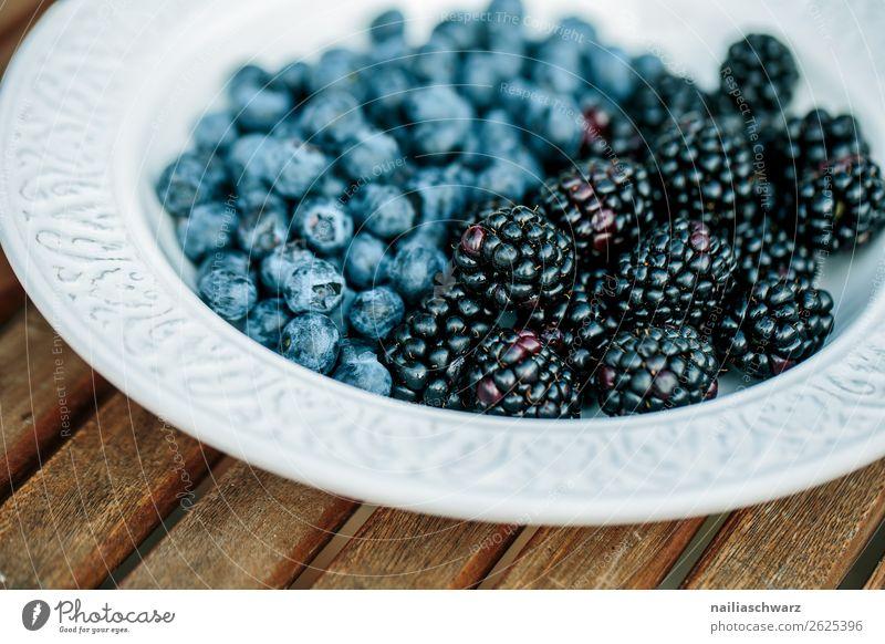 Blaubeeren Lebensmittel Frucht Brombeeren Ernährung Bioprodukte Vegetarische Ernährung Geschirr Teller Schalen & Schüsseln Lifestyle Gesundheit