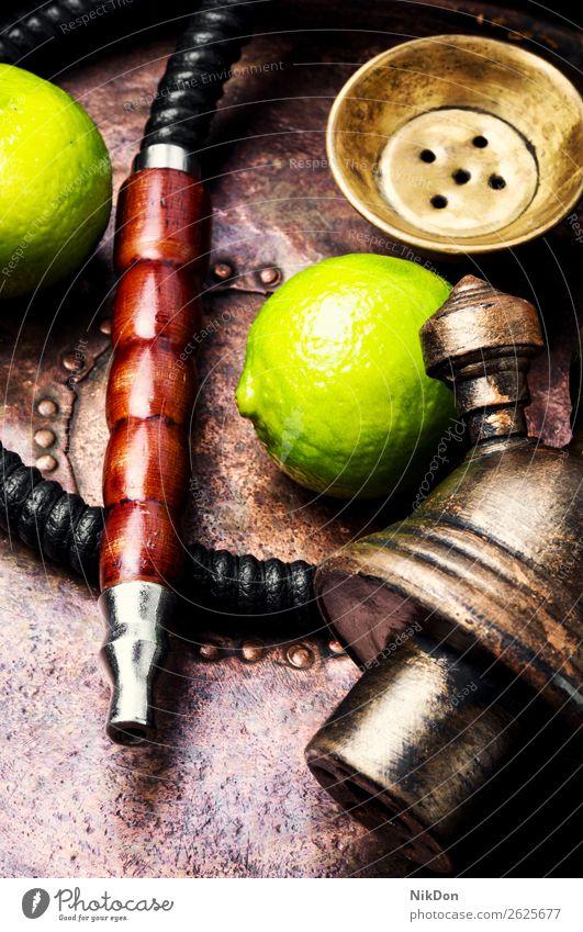 Orientalische Wasserpfeifen-Shisha mit Limette Wasserpfeifenrauch shisha Kalk Frucht Tabak nargile Rauch Nikotin Rauchen Osten Erholung arabisch Mundstück