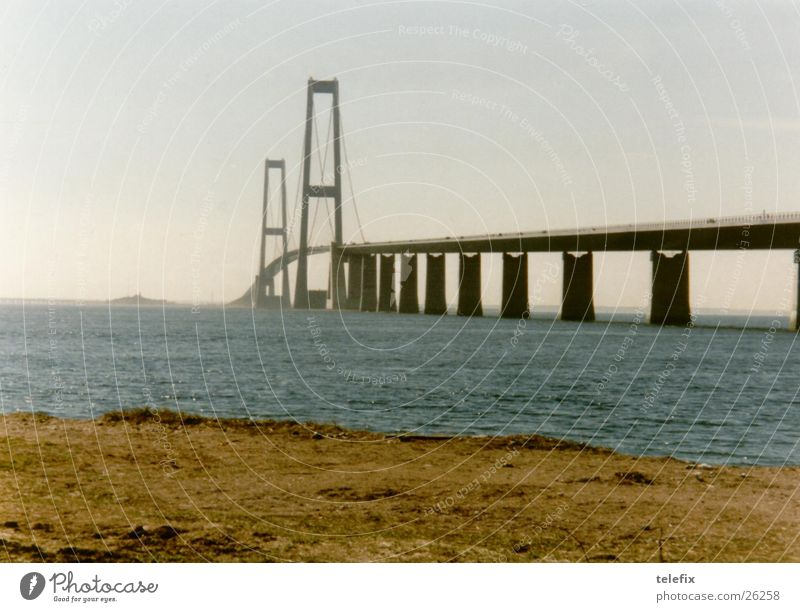 Der große Belt Meer Straße Eisenbahn Brücke Autobahn Fähre Schnellstraße