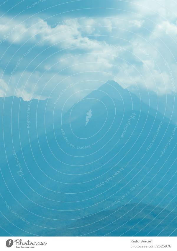 Himmel Ferien & Urlaub & Reisen Natur Sommer blau Farbe Landschaft weiß Wolken Wald Ferne Berge u. Gebirge Umwelt Tourismus Freiheit Felsen