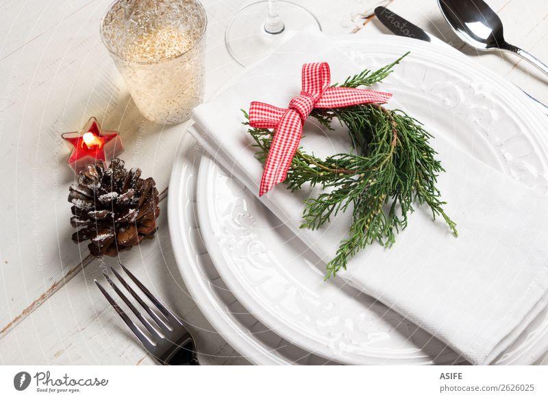 Weihnachtstisch Platzierung Essen Abendessen Besteck Gabel Löffel Stil Design Tisch Restaurant Feste & Feiern Weihnachten & Advent Baum Kerze Holz Schnur