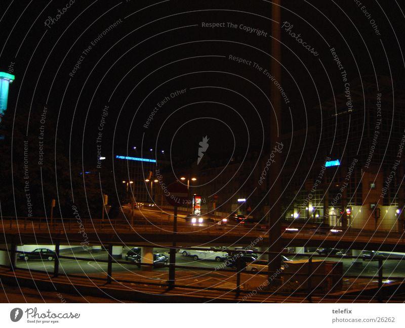 Stuttgart Nacht Straße dunkel Europa Tunnel unterirdisch