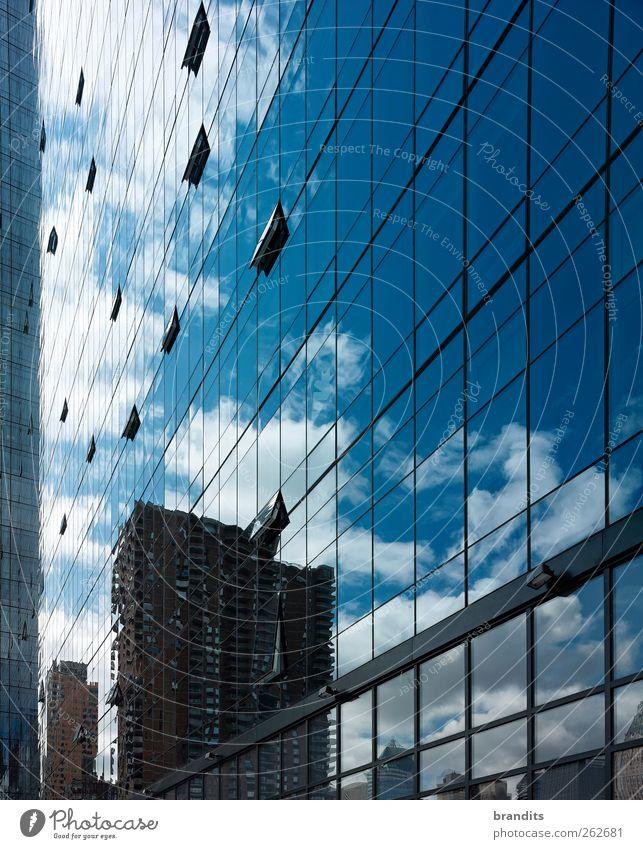New York City Mirror blau weiß Stadt Haus Architektur Gebäude Fassade elegant glänzend hoch groß außergewöhnlich ästhetisch Hochhaus authentisch Coolness