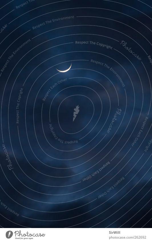 Die Sichel des Himmels Natur Landschaft Luft nur Himmel Wolken Gewitterwolken Nachthimmel Stern Mond Sommer Herbst Winter Wetter einzigartig kalt blau silber